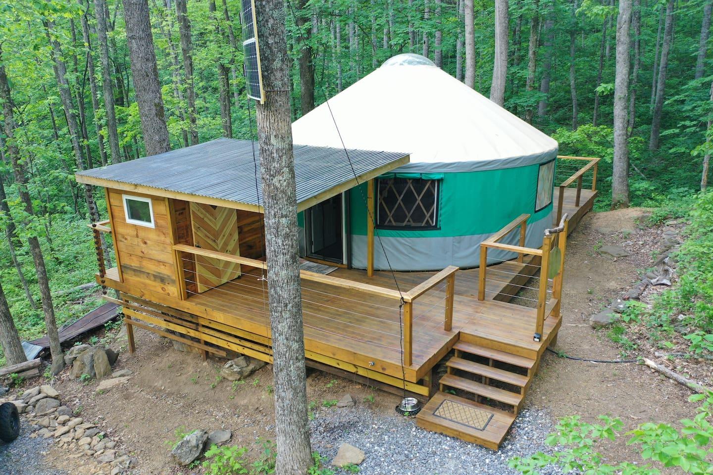 Creekside Yurt - Glamping Asheville NC