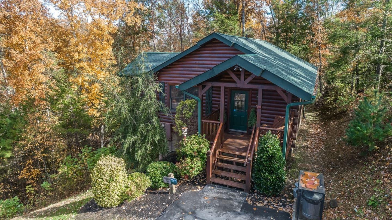 Cutest Romantic Airbnb in Gatlinburg Tennessee