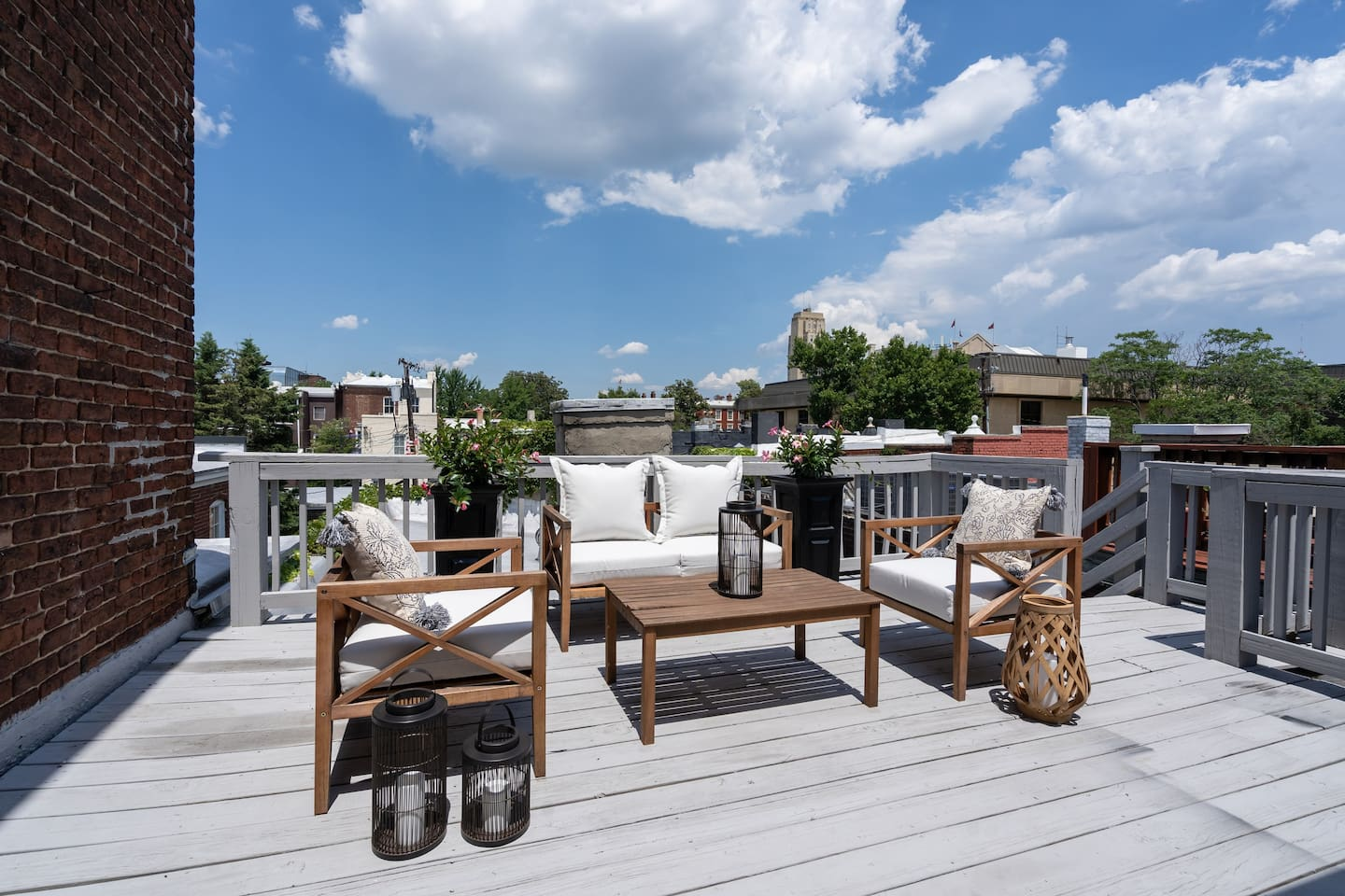 Downtown Richmond Airbnb with rooftop deck