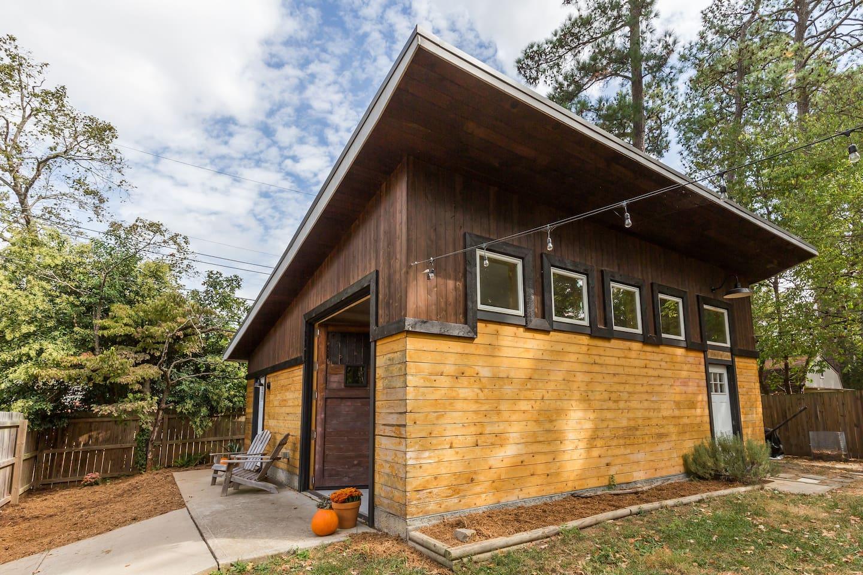 Forest-Hill-Modern-airbnb-richmond-virginia