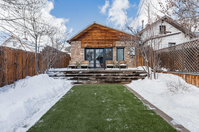 Hip Chalet Airbnb