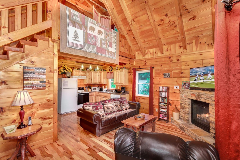 Lovers Loft - Best Romantic Airbnb Gatlinburg TN