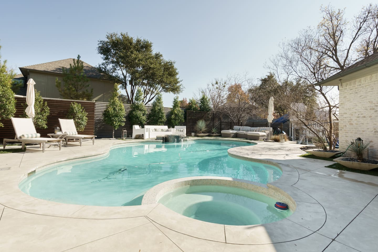 Luxury Airbnb in Dallas with Pool