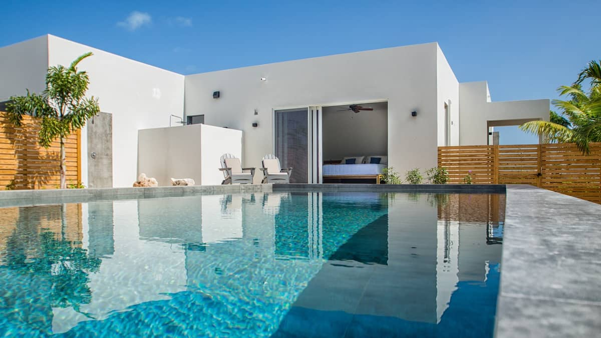 Modern Caribbean Turks and Caicos Villa with Pool