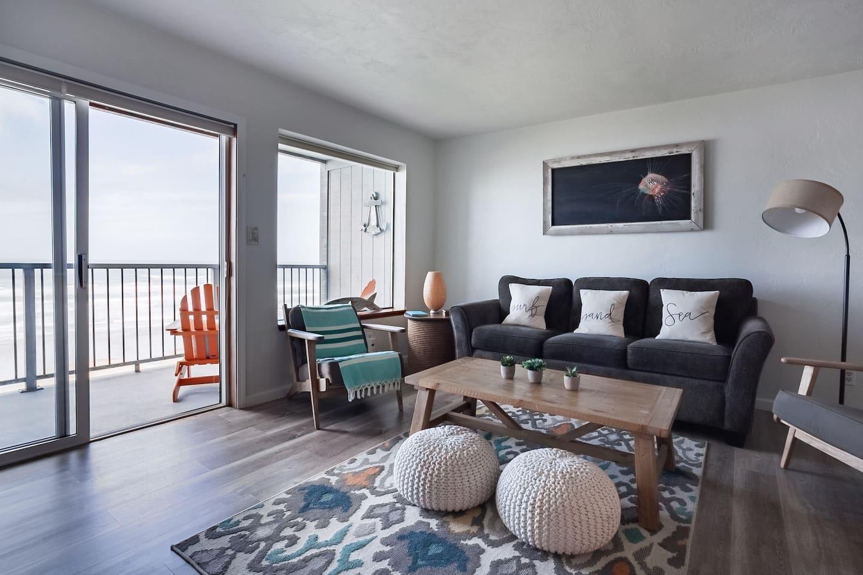 Nye Beach Retreat - romantic airbnb oregon