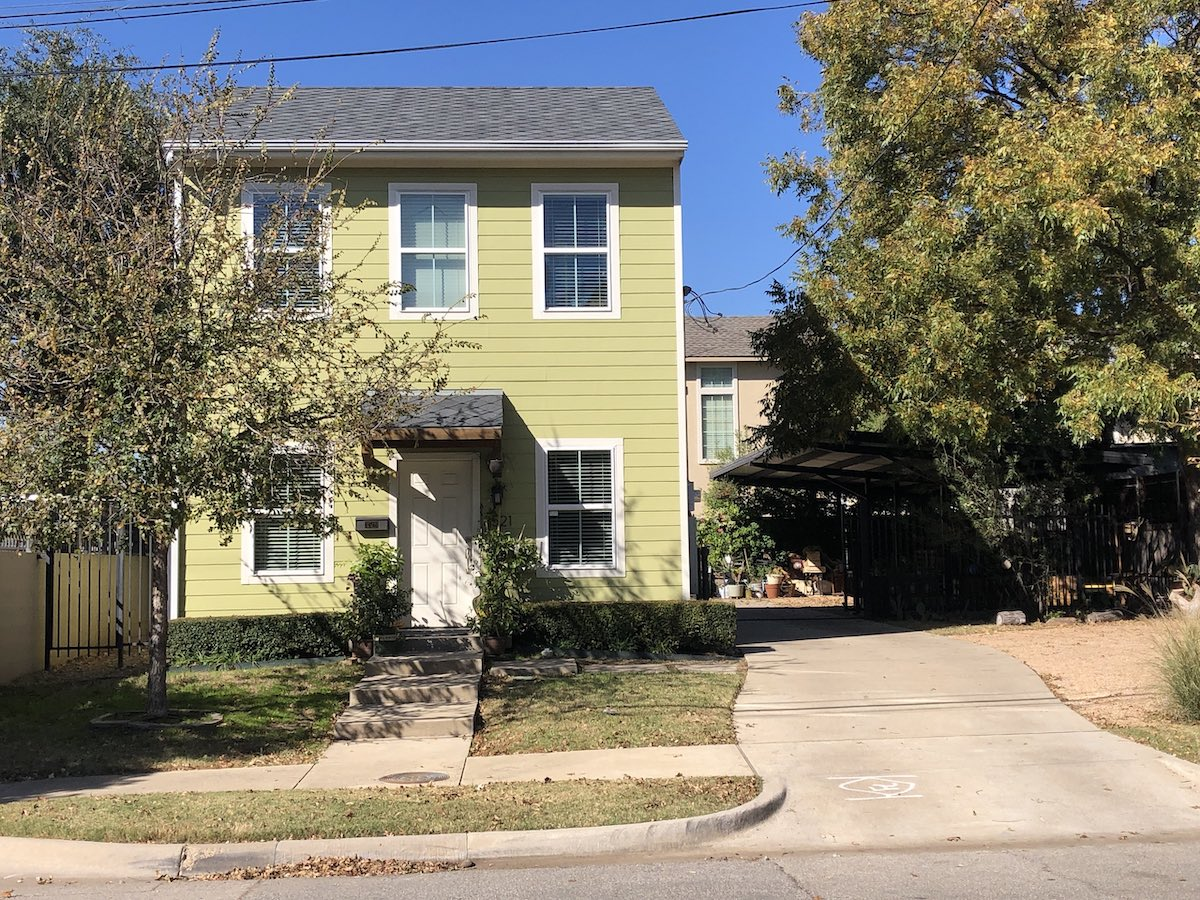Sunny Spacious House in Dallas