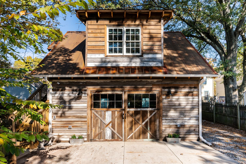 The Grant Park Farmhouse - Authentic Southern Charm