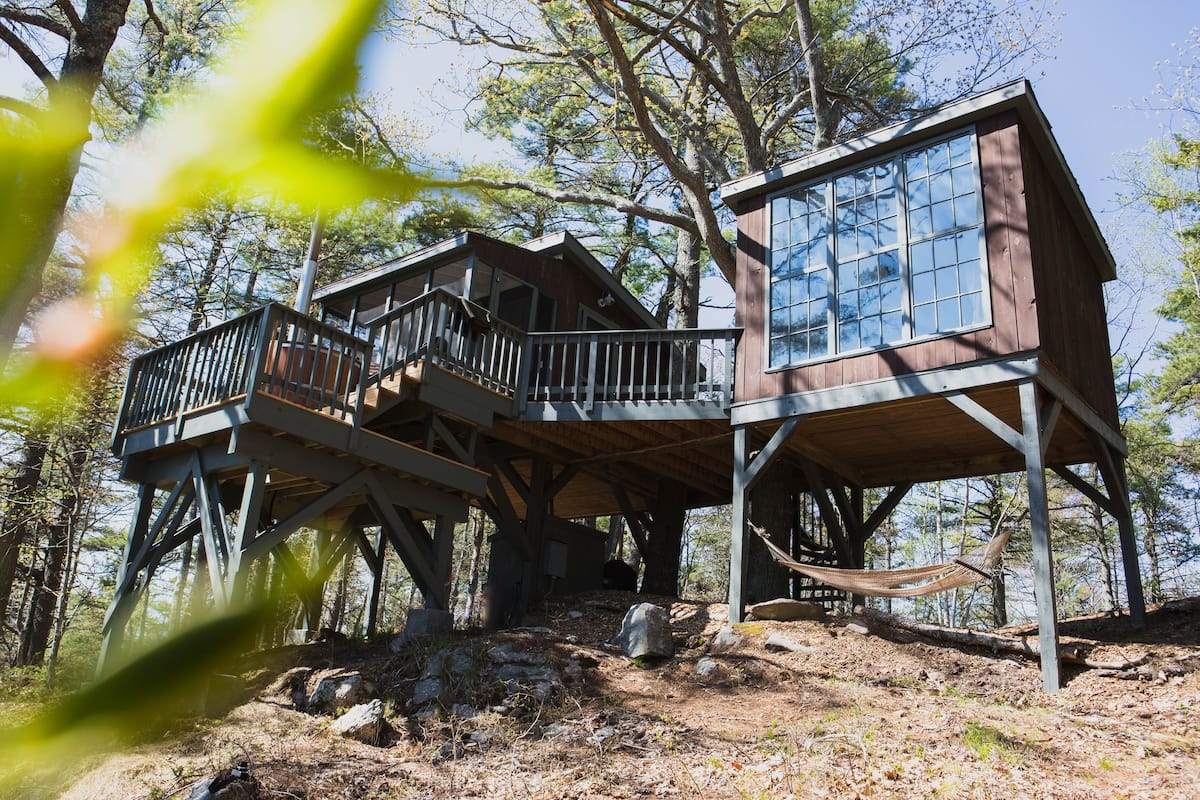 Treehouse glamping new england