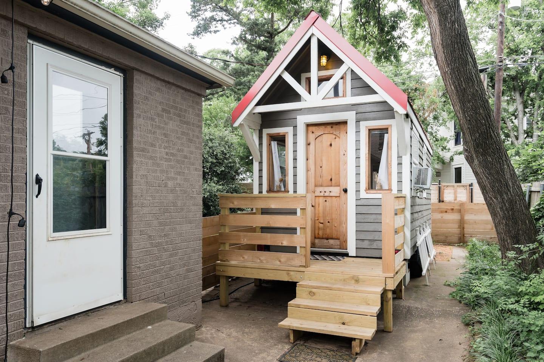 Unique Tiny House Dallas Airbnb