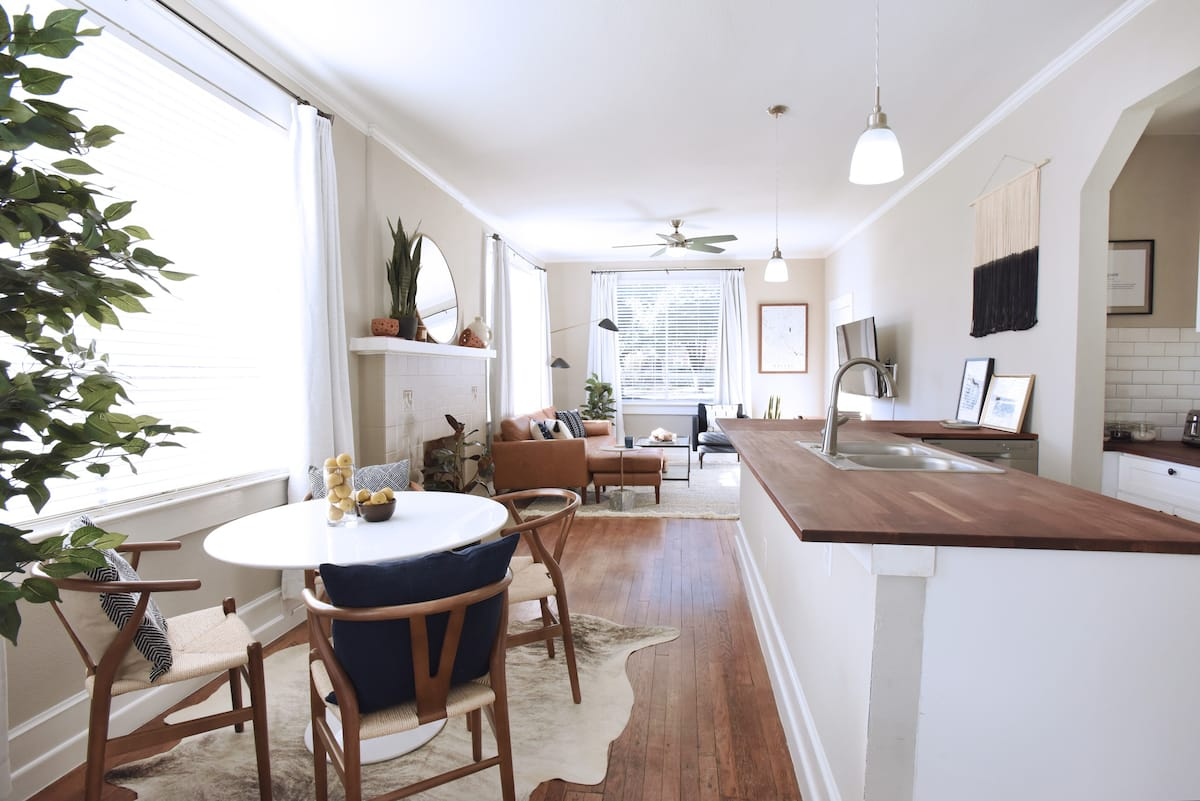 Work from Home in Style - Airbnb in Dallas