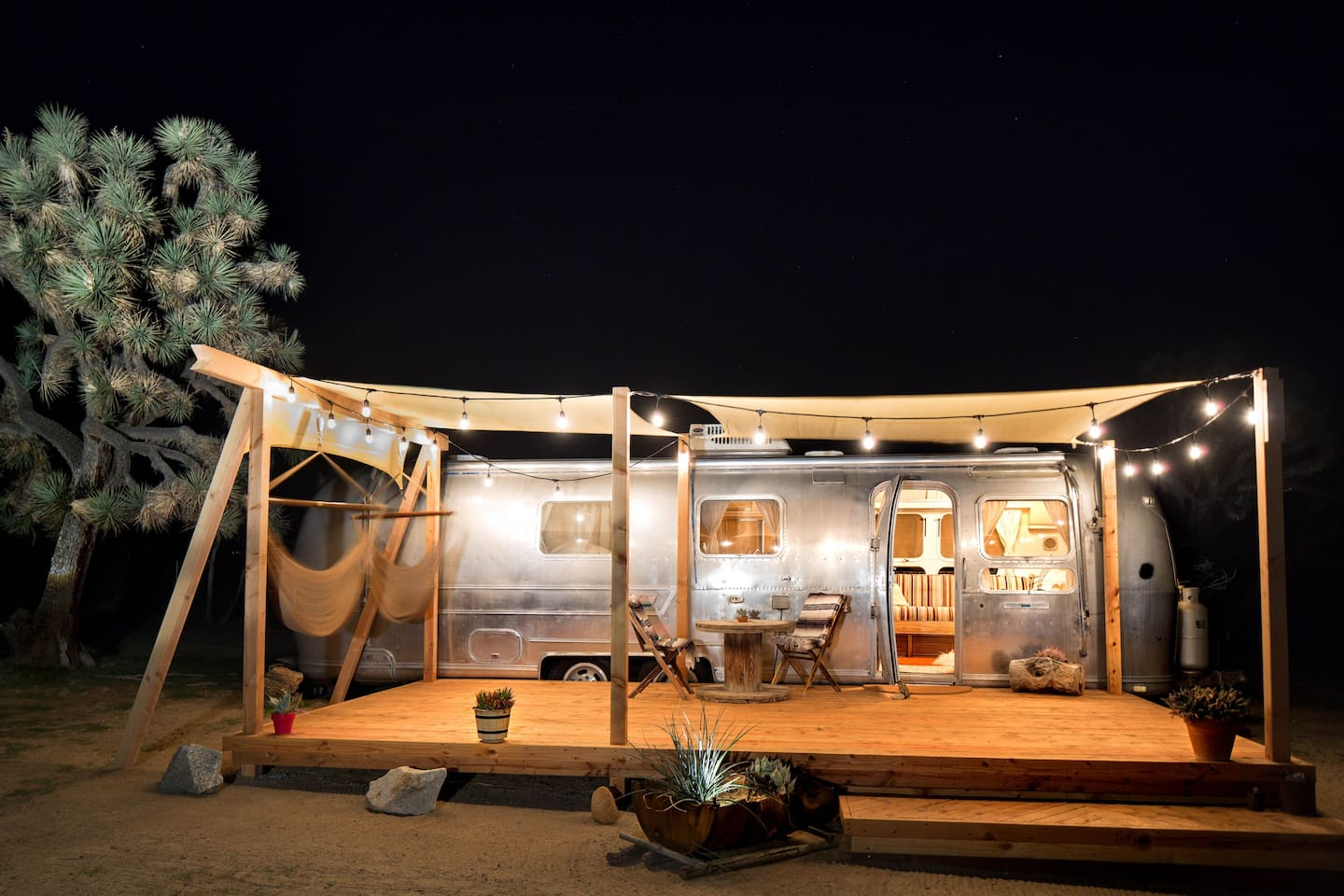 Airstream Glamping Joshua Tree