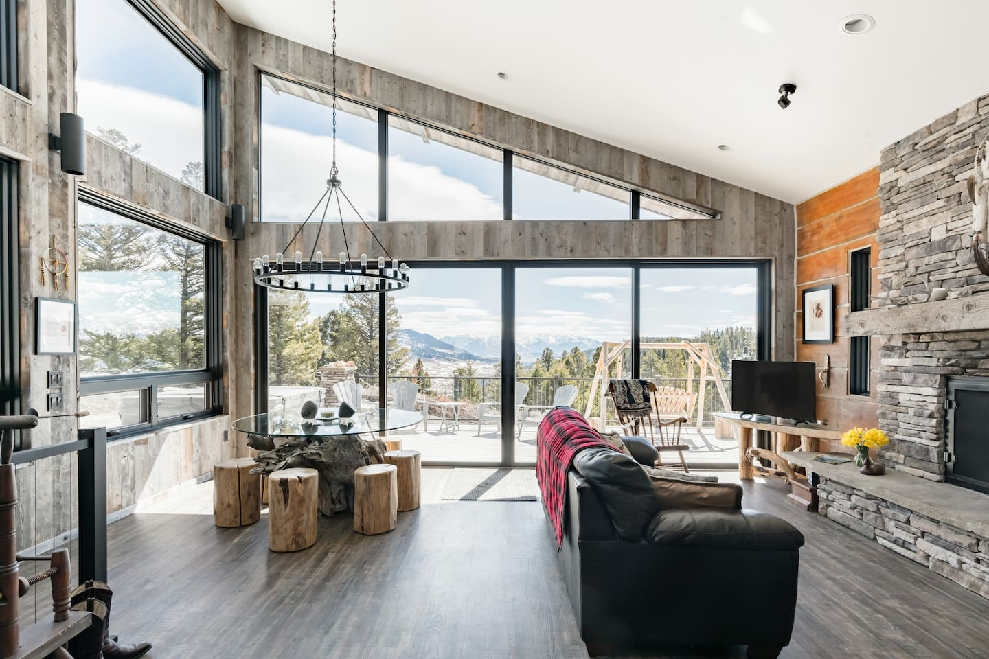 Luxury-Airbnbs-In-Montana