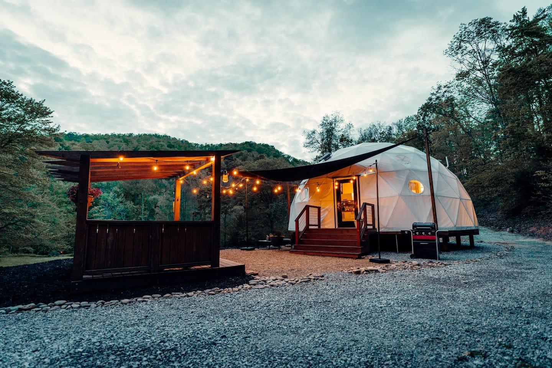 Luxury Glamping Dome - Hendersonville North Carolina