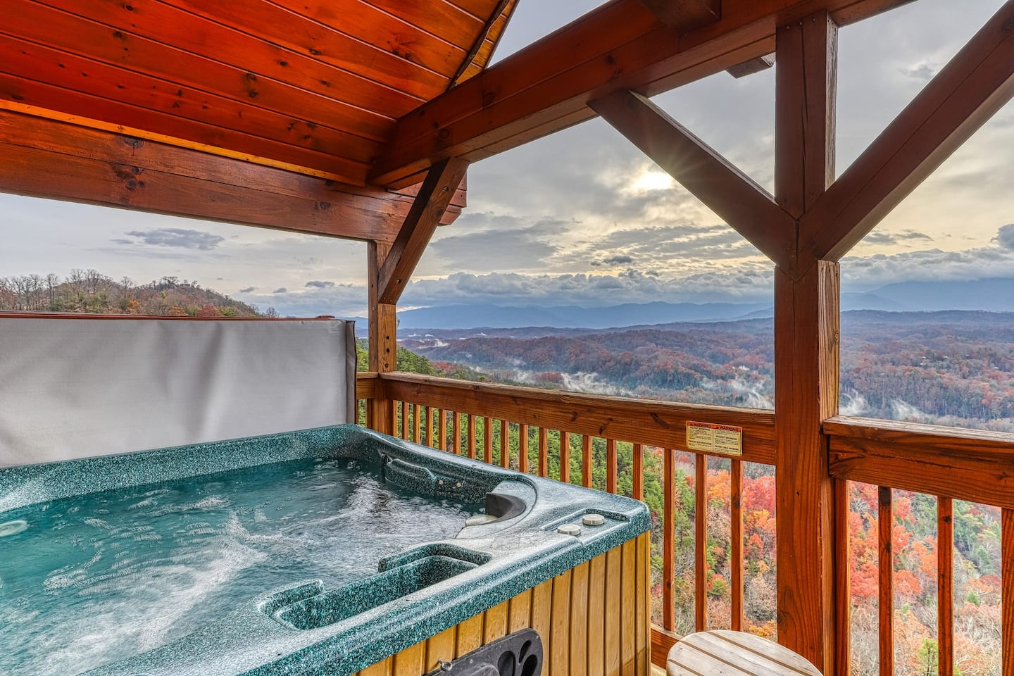 Pigeon Forge Airbnb Cabin with Jacuzzi