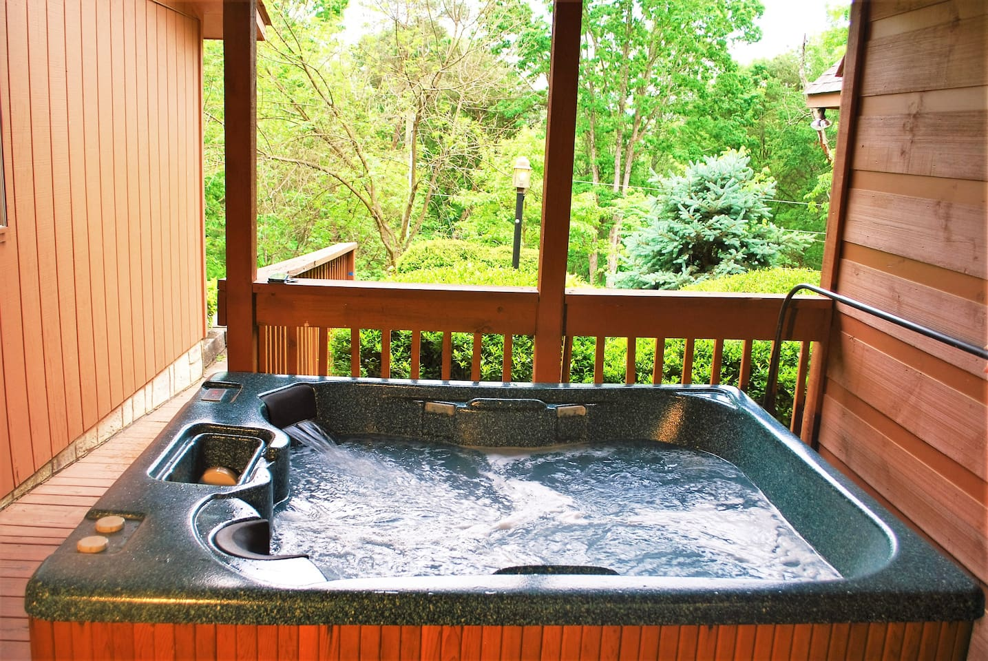 Pigeon Forge Cabin Airbnb with Hot Tub