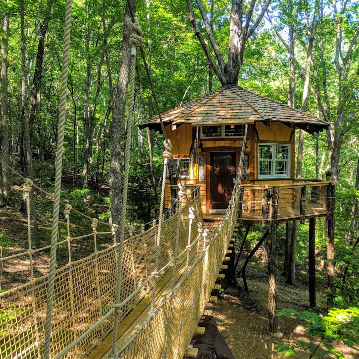 Treehouse Glamping Tennessee
