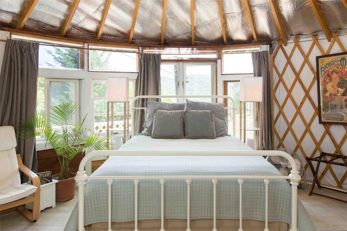 Yurt glamping getaway asheville nc
