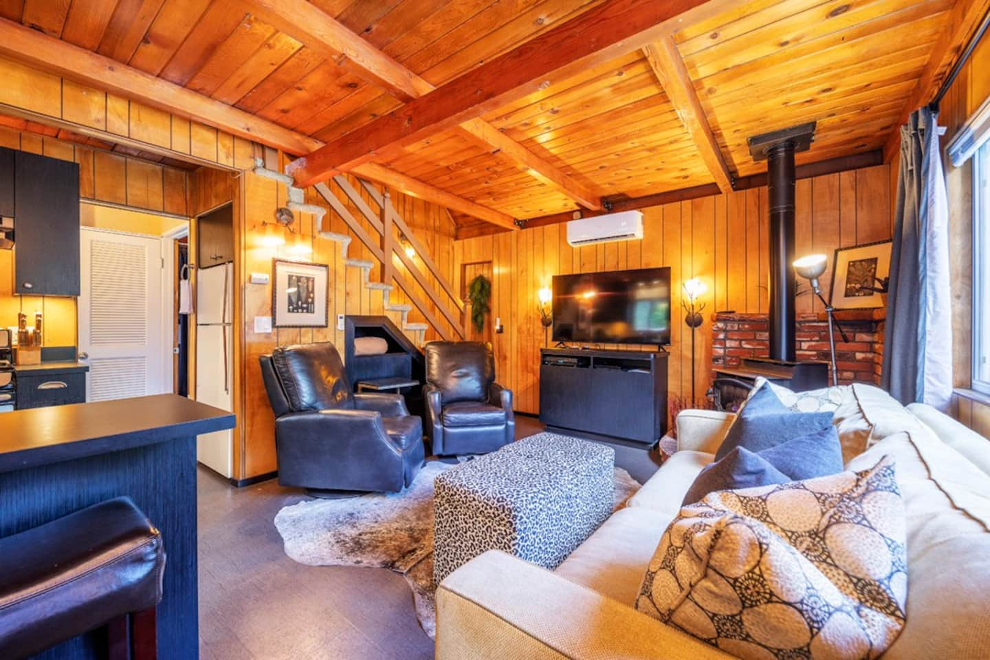 Cozy Chic Sherwood Enclave in Big Bear California