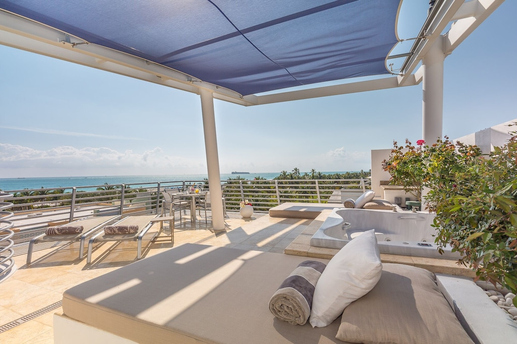 miami luxury penthouse private rooftop terrace
