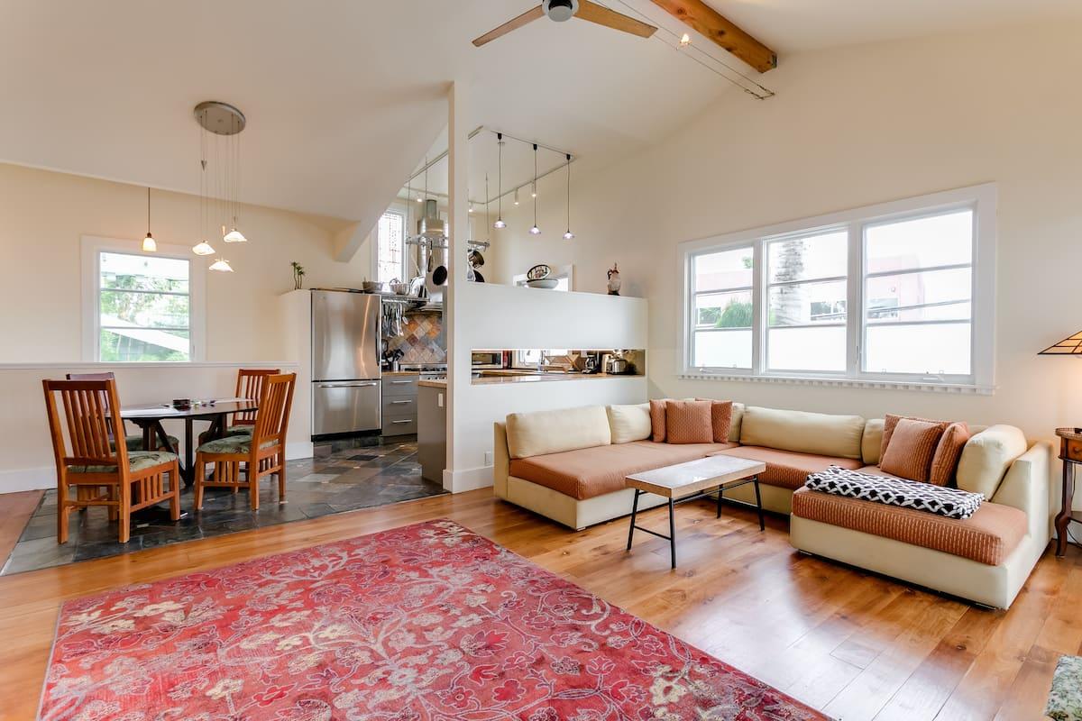 Best Airbnbs in Santa Monica Beach