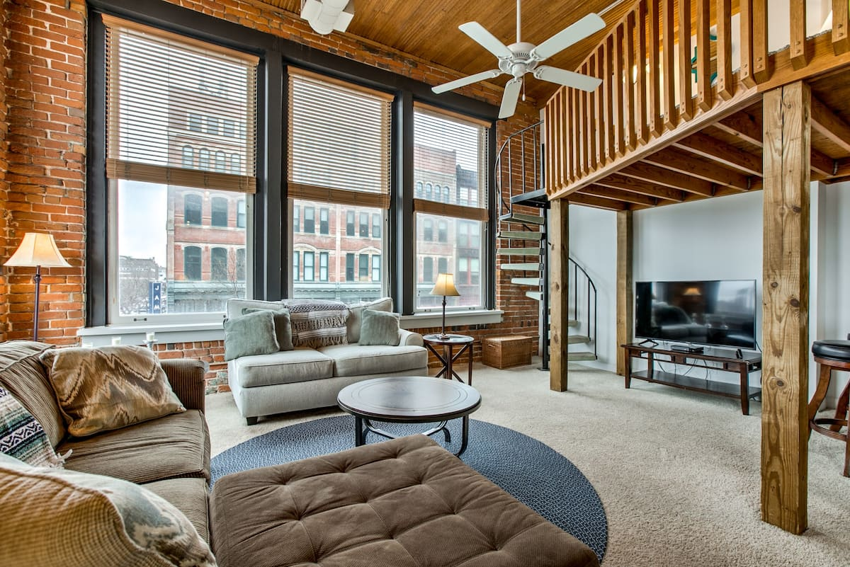 Coolest Airbnb in Omaha Nebraska