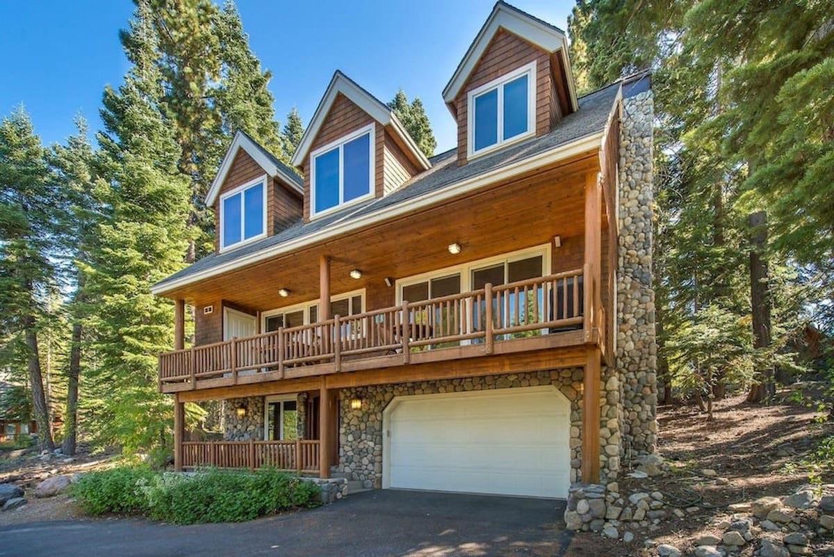 Pine Needle - Cabin Rental in Lake Tahoe
