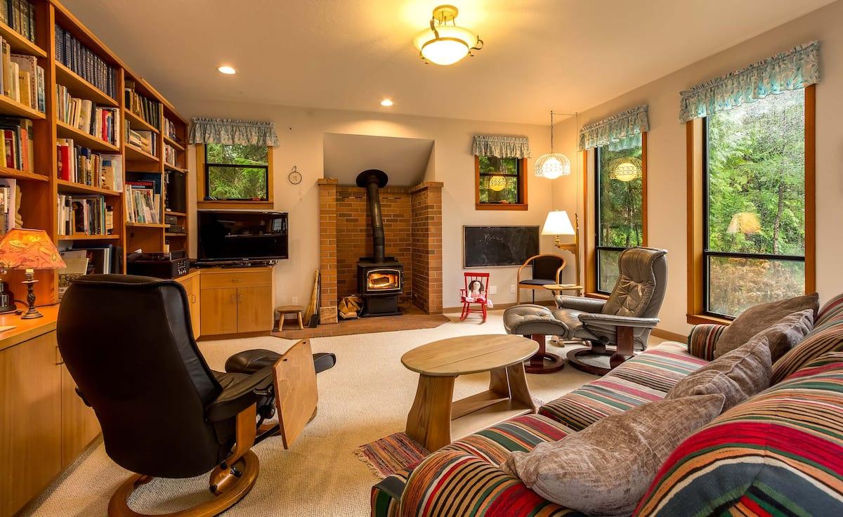 Best Airbnb on Bainbridge Island For Large Groups