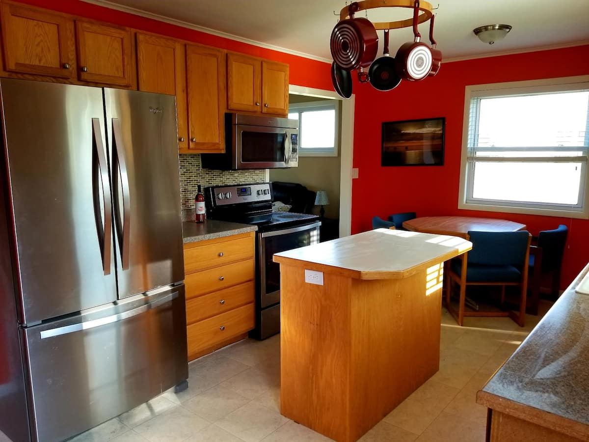 St Ignace Airbnb near Mackinac Island Ferry