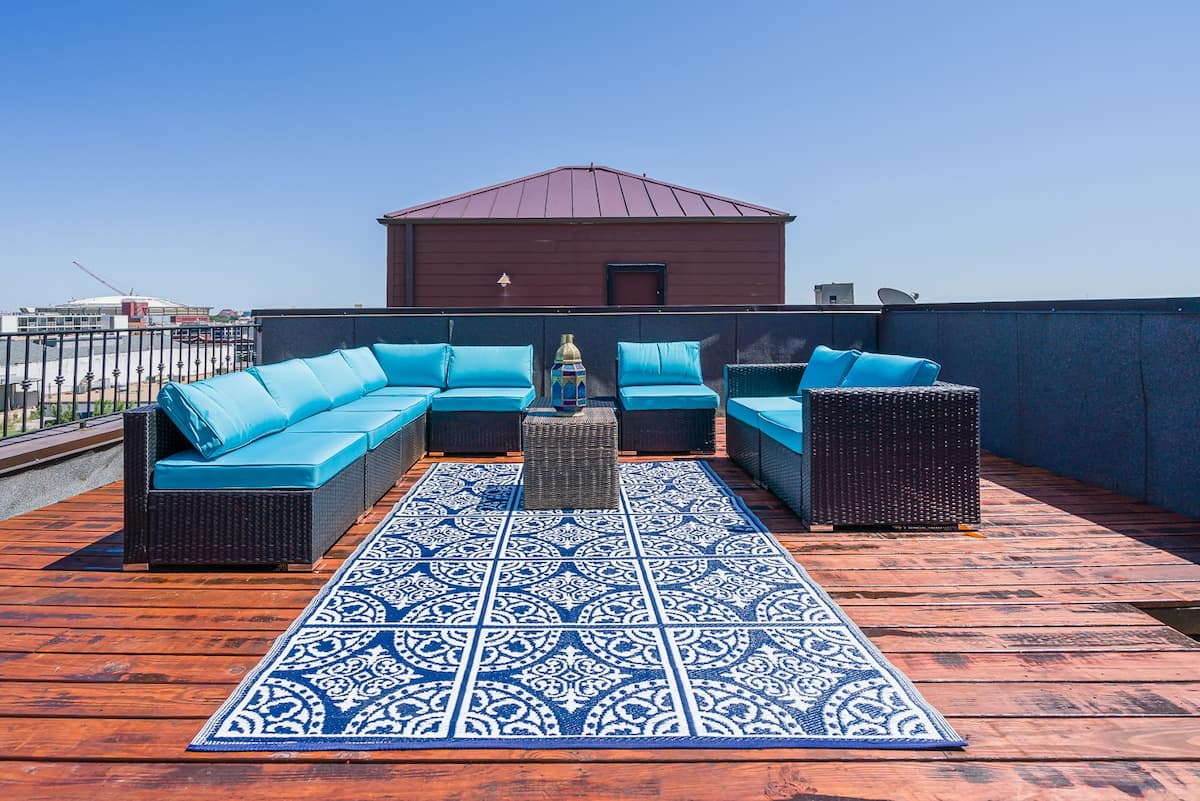 Tennessee Airbnb WIth Rooftop Deck