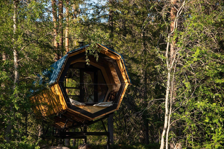 Unique Tiny Home Airbnb in Cabin