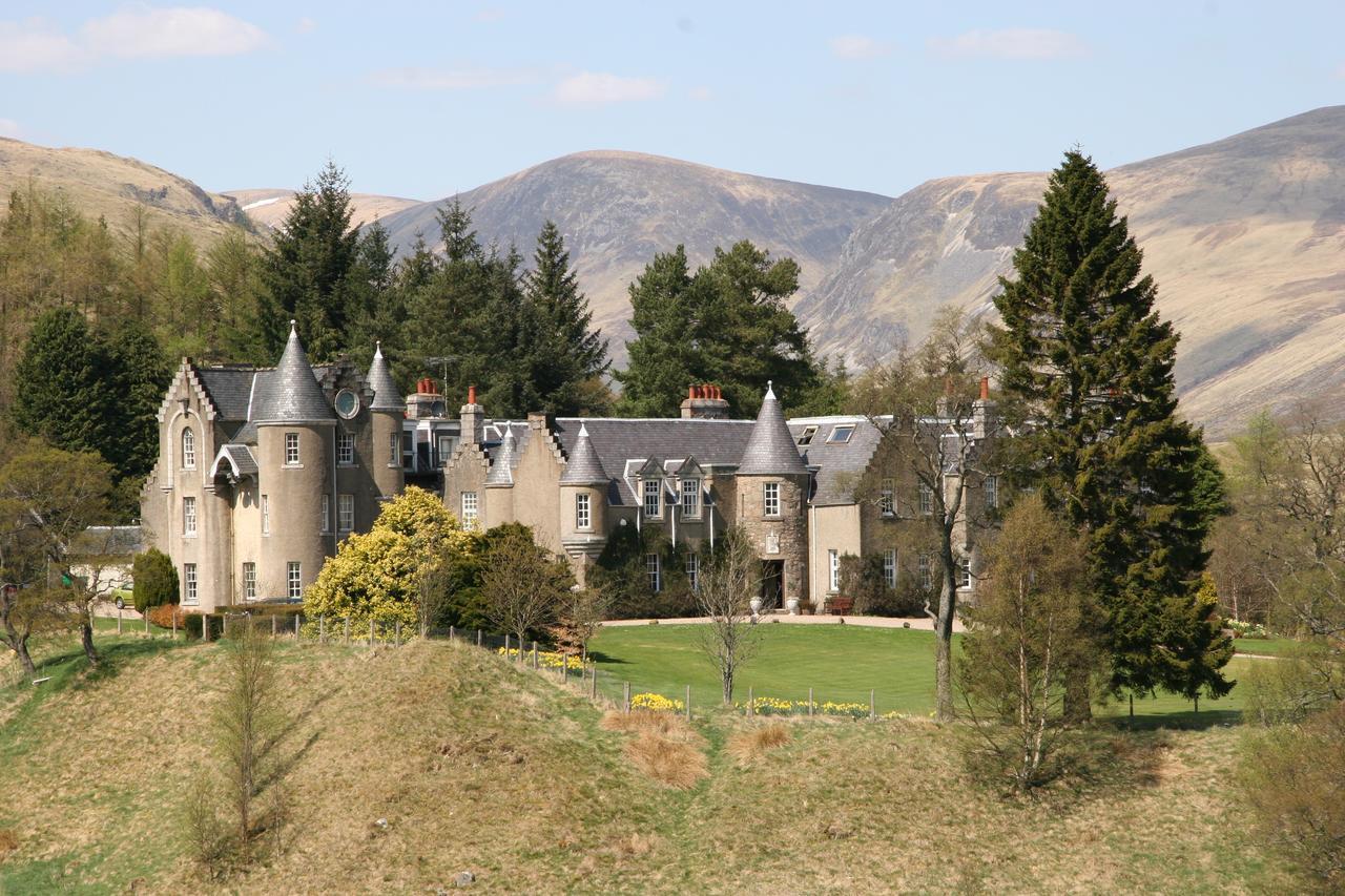 Dalmunzie Castle Hotelv