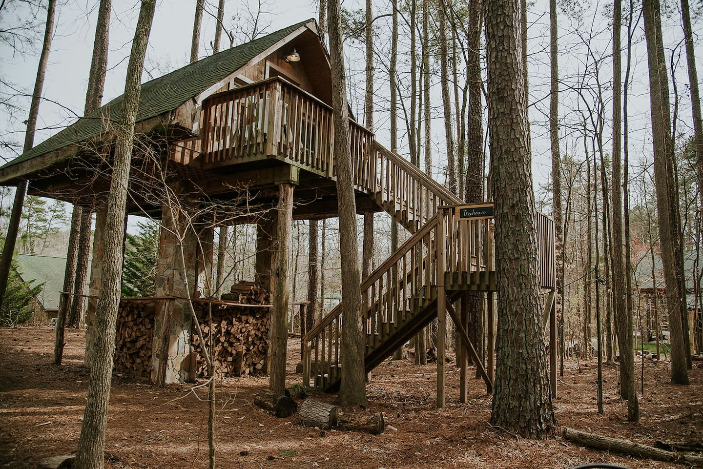 Luxury Stone and Timber Treehouse