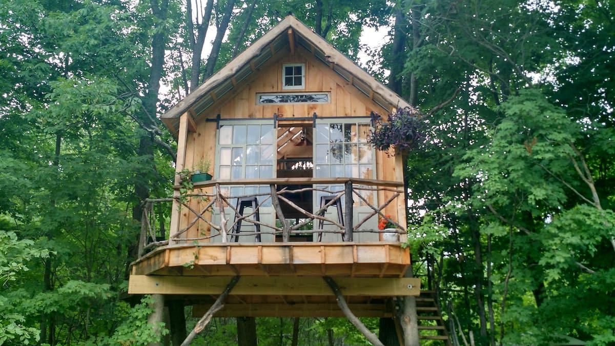Whispering Wind Treehouse