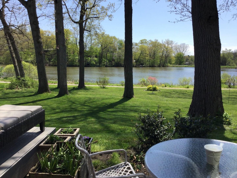 lake front architect designer home
