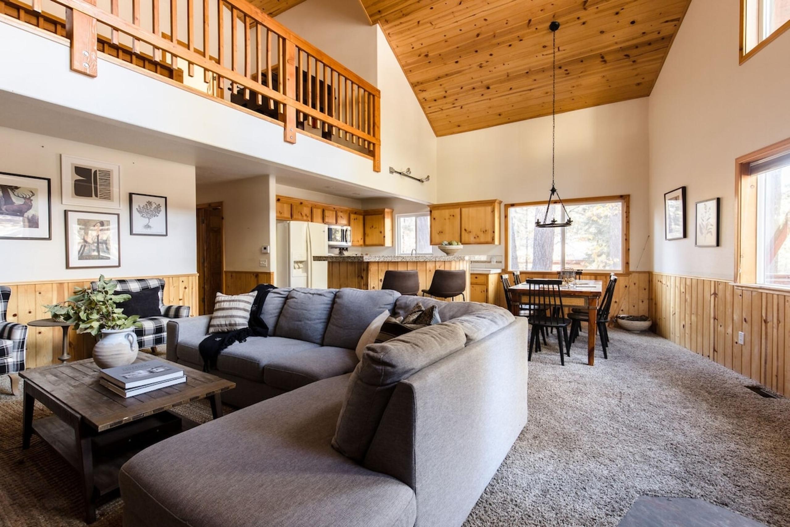 Bear Necessities Luxury Cabin Rental