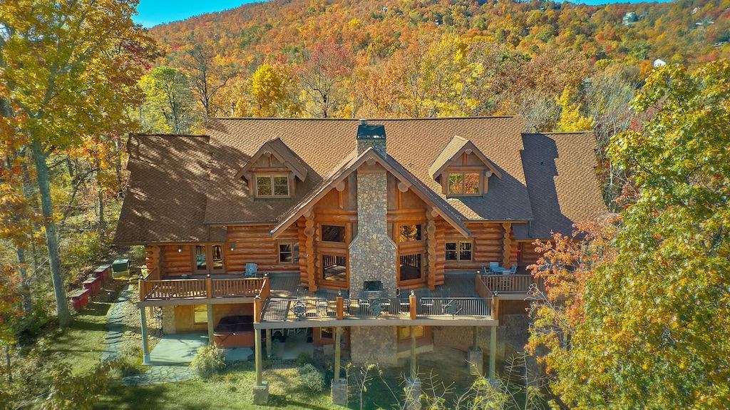 Bear Paw Lodge - Luxury Rental in Tennessee
