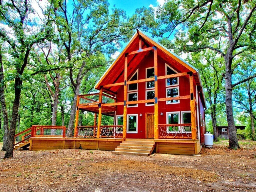 Beaver Run - Luxury Cabin Rental in Texas