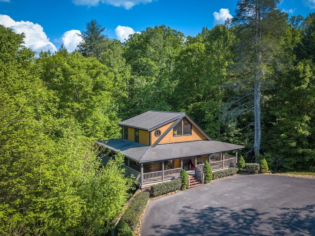 Cedar Forest Luxury Cabin Rental Pigeon Forge TN