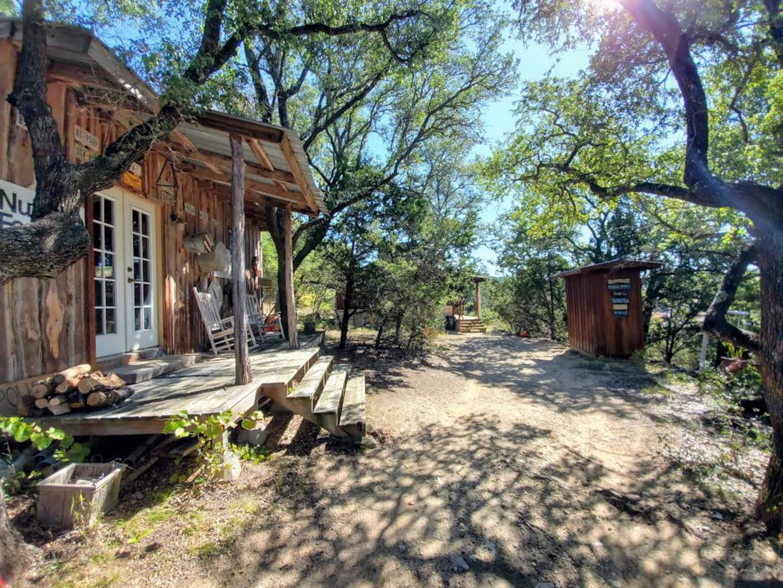 Fiddler's Creekside Unique and Secluded Cabin Rental
