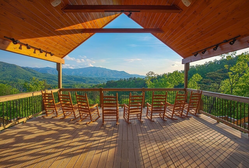 Gatlinburg Mansion Cabin Rental