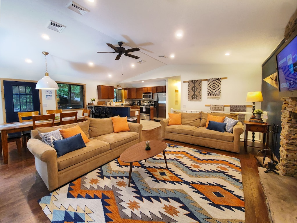 Luxury Cabin Rental For Large Groups