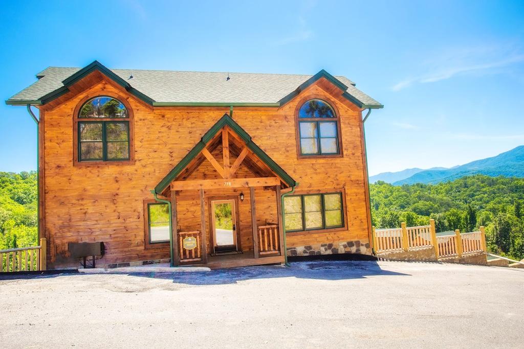 Luxury Cabin Rental in Gatlinburg