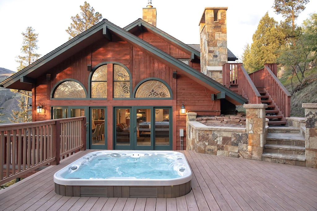 Luxury Cabin in Colorado with Jacuzzi