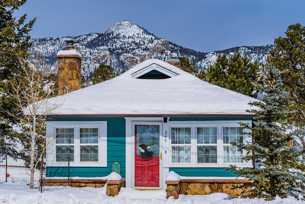 Luxury Cabins in Colorado mountain view cottage walk to downtown