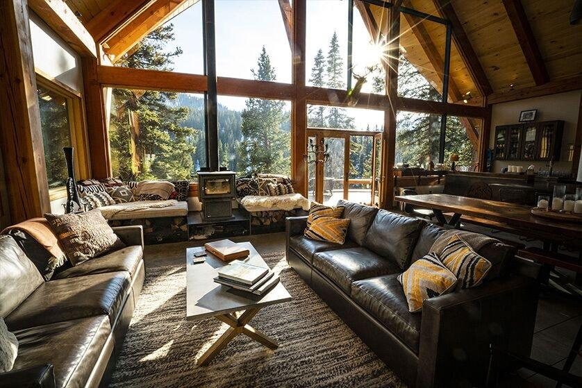 Luxury Cabins in Colorado sleeps 18