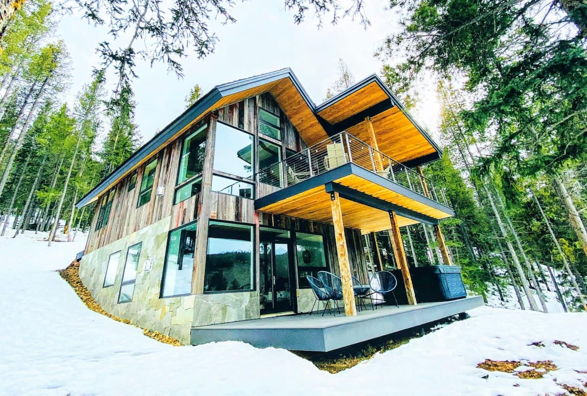 Luxury Cabins in Colorado with hot tub and porch