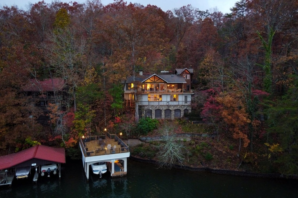 Luxury Treehouse Cabin Rental in Georgia