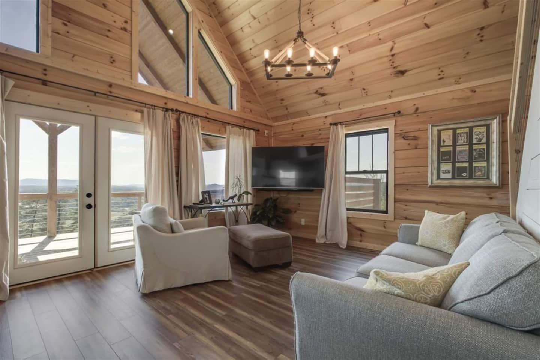 Skyline Cabin Airbnb TN