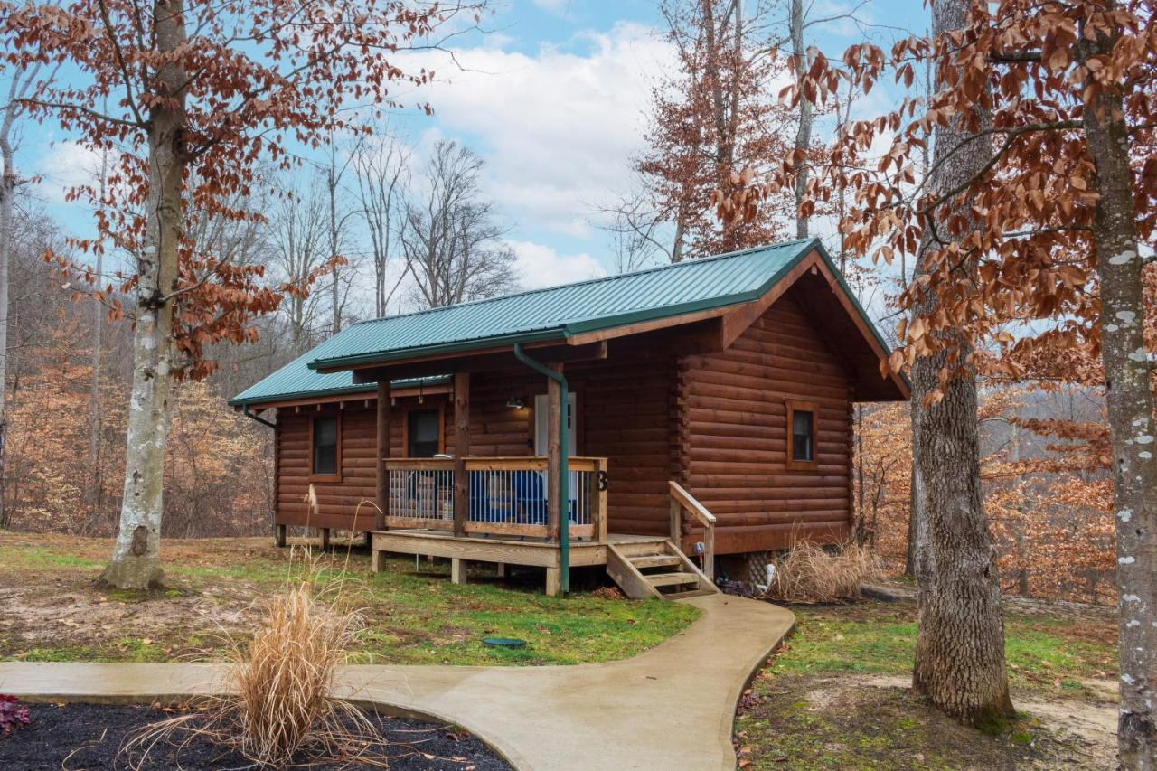 Luxury Cabins in Ohio Pine Creek Horseman's Camp with hot tub