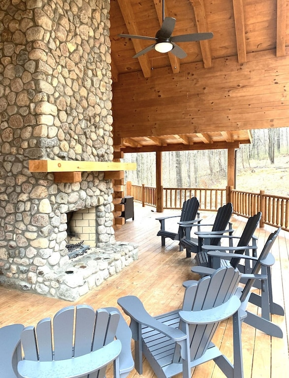 Luxury Cabins in Ohio spacious with outdoor fireplace